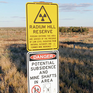 While uranium mining was halted at Radium Hill in 1961 and no more radioactive waste has been deposited there since 1998, the entire site remains a radioactive danger zone, with tailings and waste rock not properly secured from erosion and dispersion. Photo credit: South Australian Community History / creativecommons.org/licenses/by-nc-nd/2.0
